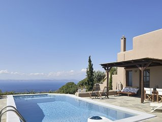 Dancing Pool - Elegant residence with private pool and stunning sea view