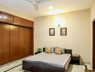 Luxurious 1BD in South Delhi