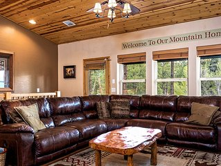 PERFECT LOCATION! Cozy & Cute**Right Across the Street from the National Forest