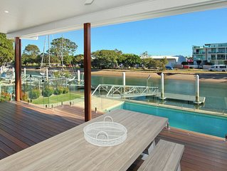 Culbara 23b - Five Bedroom Townhouse With Pontoon + Pool + Media Room and BBQ in