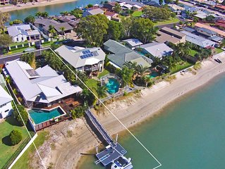Coorumbong 16 - Five Bedroom House in Mooloolaba w/ Pool + Wifi and Private Pont