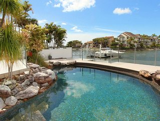 Yulunga 20 - 4 Bedroom House w/ Pool+ Wifi+ Aircon with a private pontoon in Moo