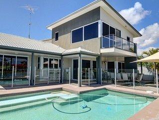 Coorumbong 36 - Six Bedrom Home W/ Pool+ Wifi+ Private Pontoon+ Pool Table and B