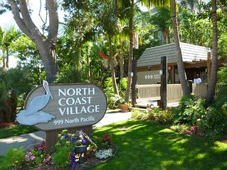 Romantic Getaway for 2 in Cottage in complex right on the beach