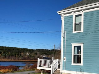 Waterfront serene historic home - Puffin's Cove