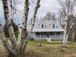 The Birches at Cascade Winery: 4 bedrooms, sleeps 10, private,  pet friendly!