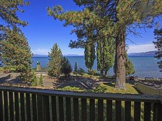 Executive Lake House, Luxurious Beachfront Home, Hot Tub, Kayaks, SUP's, Wi-Fi