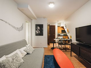 Charming Times Square garden floor apt (sleeps 5 people, 2 bathrooms)