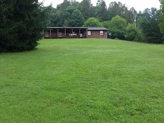 HOCKING HILLS CABIN WITH HOT TUB AND POND ON 4 SECLUDED ACRES with REC BARN