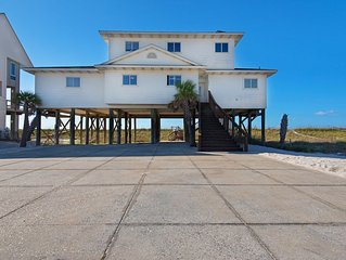 Vacation Right on the Beach at the newly remodeled Beachcomber, Navarre Beach