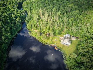 Private Lake, Pet Friendly, Luxury Family Retreat, sleeps 14- super inclusive