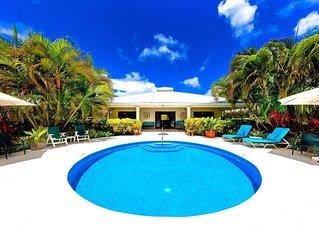 Wonderful West Coast Villa. 5 mins walk Gibbs & Mullins beaches. Guest Services