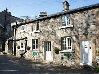Cosy 17th Century Cottage, 4 Star Rating, 2 En-suite Bedrooms and 2 Car Parking