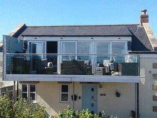 Cormorant Cottage . With Sea View Glass Balcony. Sleeps 6