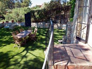Promotion : Villa de vacances  provençale avec grande piscine à Sanary sur mer.