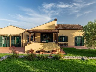 A charming luxurious villa in the countryside of Taormina with own pool and Wifi