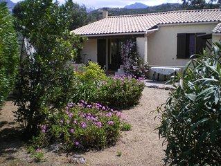 Superbe petite villa de vacances au pied des montagnes
