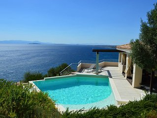 Uninterrupted sea views, idyllic location, private salt water pool, full privacy