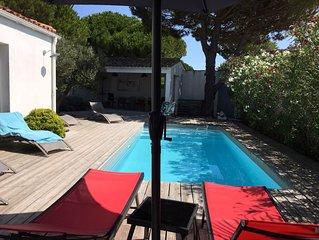 Villa Ile de Ré 160m2 à  200 m de la plage, 5 chambres,piscine chauffée