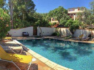 Mas entre mer et montagne a Argeles sur terrain arbore avec piscine