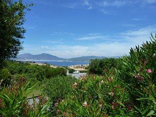 Mini villa de 50 m², vue panoramique sur le golf d'Ajaccio