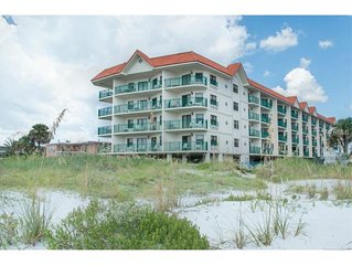 BEACH FRONT CONDO on the Gulf of Mexico. Paradise is calling!