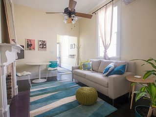 Newly Renovated Carrollton Uptown Cottage (license # 17STR-11400)