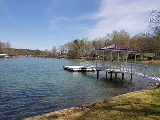 Waterfront Home W/Ramp, Couples Retreat, Girls Getaway,Fisherman welcome