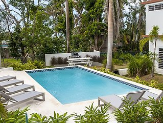 R Casa Unit 3 at Steps Beach: Newly  Home with all the bells and whistles