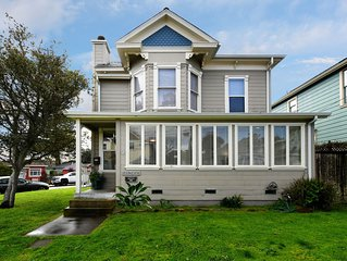 2 Bed / 1 Bath  Remodeled Late 1800s Victorian in Central Location