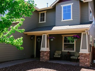 Beautiful 3,000sqft Home Perfect For Your Mountain Getaway!