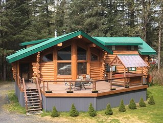 Custom-Built Log Home : Clean, Spacious, and only 4 miles from downtown Seward!