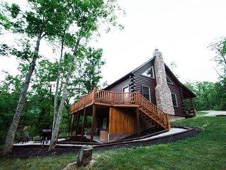 Liberty Ridge Cabin, Near Old Man's Cave, Fire Pit, Deck, Hottub, Wifi, Rec Room