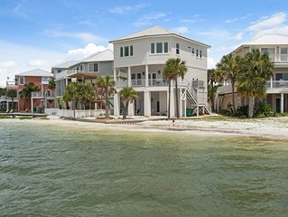 Waterfront designed for multiple families perfect vacation 5 BR/5.5 BA