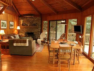 Cozy Treehouse By Mt. Mitchell Golf Course & Fishing