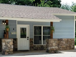 Dogwood Cottage for 2 less than 3 miles to BILTMORE Park &  Blue Ridge Parkway