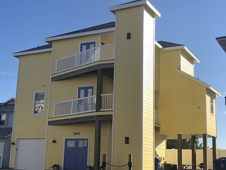 Holiday Special-Beach home w/elevator+ ocean views,beach boardwalk+pool