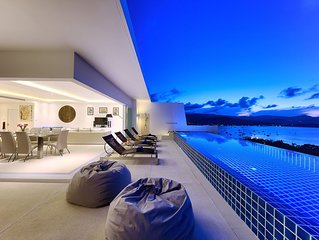 Gorgeous Villa with Infinity Pool & Panoramic Ocean Views