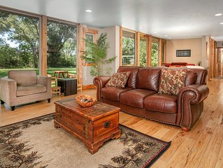 Spectacular Mountain Style Home Near DT Boulder!
