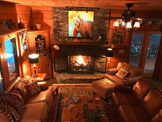 Beautiful Log Cabin with river access to The Watagua. Newly  added Fire Pit