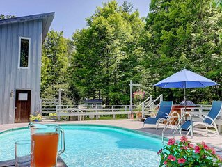 SECLUDED POOL, SPA & STREAM on 7 Acres, JUST 5 MINUTES FROM TOWN