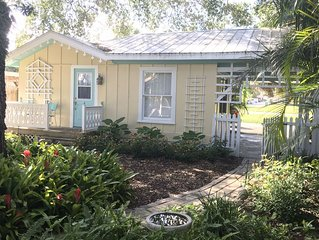 Dover Cottage 'Guest House' In Olde Naples