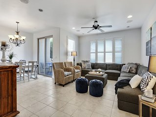 A block from the beach! Two blocks from downtown! Free WIFI and private parking!