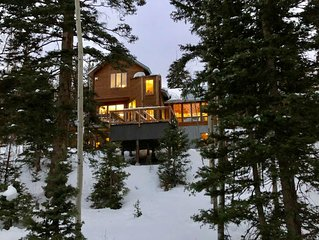 Quiet, Secluded, Spacious Home 10 Minutes to Ski Area