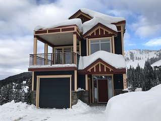 Dream Catcher - Luxury Mountain Chalet, 50 Metres from Village, Ski In/Ski Out