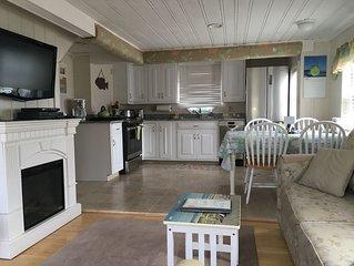 Charming Beach House,Ocean Views, Amazing Roof-Top Deck