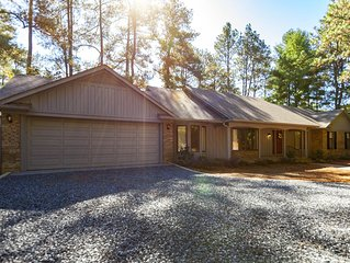 Newly Updated Home on Pinehurst #3! Fantastic View! Sleeps 8
