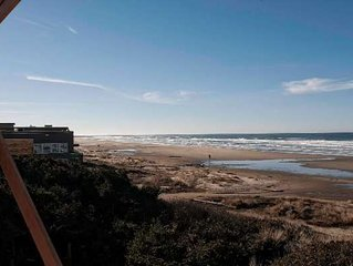 1344 square foot Hecta Beach front - Traxler's Surfside Cottage