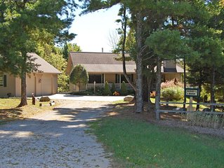 Perfect 'Up North,' 3B/3B Retreat Near Sleeping Bear Dunes and Lake Michigan!