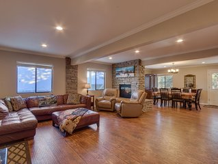 Close to down town, BBQ, Hot Tub, 4 bedroom Tahoe home (SL145)